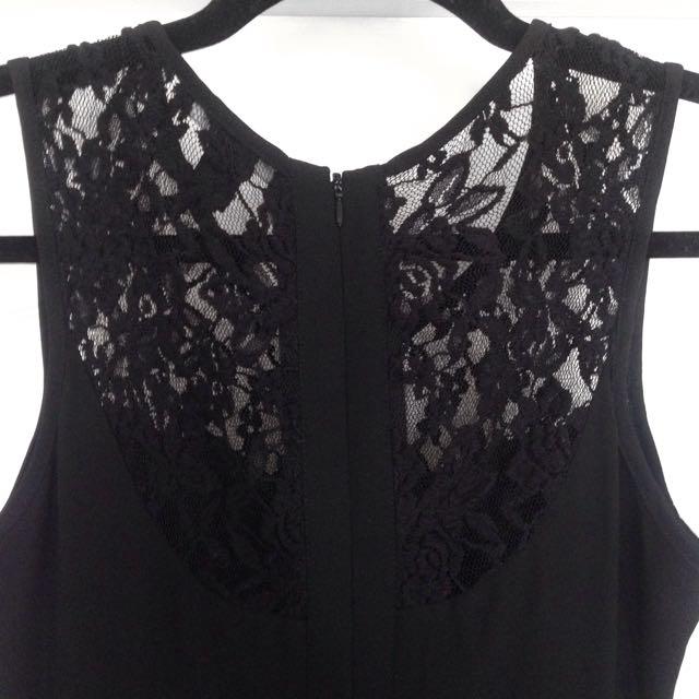 Side Cut-out Lace Detail Dress
