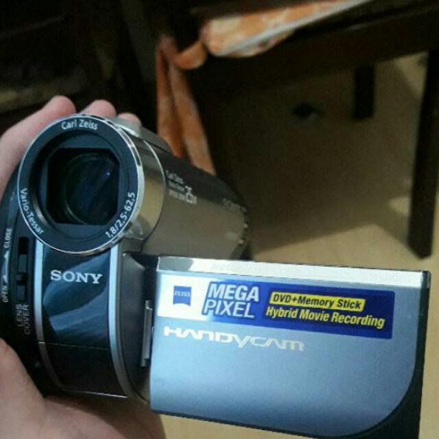 Sony handycam dcr dvd610 COMPLETE WITH BAG, CHARGER ETC... With FREE  Watch HIGHLY NEGOTIABLE