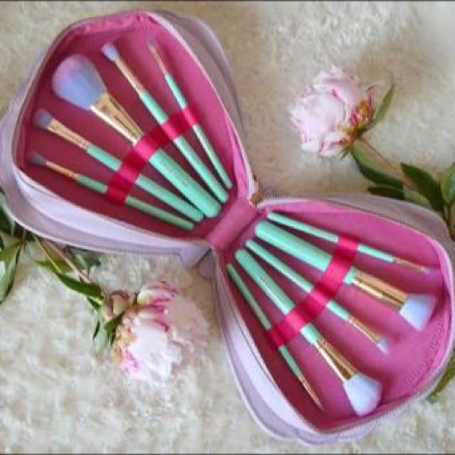 SPECTRUM Glam Clam Brush Set