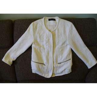 ZARA WOMAN White Embossed Short Jacket - Size xs -needs small repair