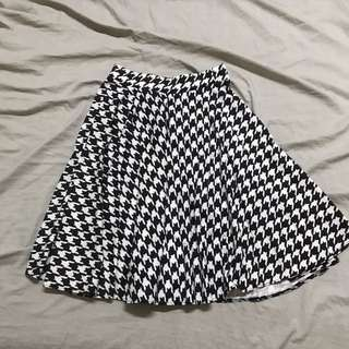 Houndstooth Printed Skirt