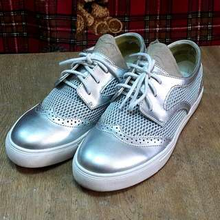 FASHION SHOES (DAPNHE YOUNG)