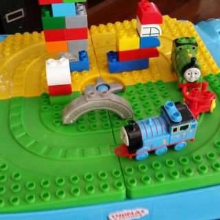 Mega Blocks Thomas The Tank Engine Play Table.