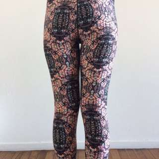 Cotton On Body Size M Patterned Exercise Leggings
