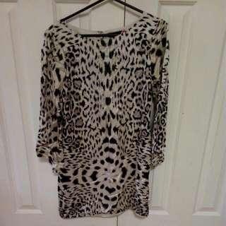 Leopard Print Long sleeve Decuba Top Size 10