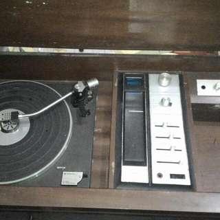 Vintage Sanyo Turntable With Speaker