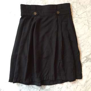 LM For Hardware Black Skirt / Rok Hitam