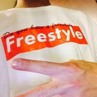 翻玩supreme Box T 亦凡老師 你有freestyle嗎