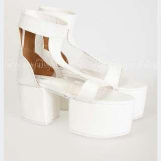 Jakarta Fashion Week- Splead On White Platform Heels Sandal By Flaminggo