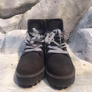 Black Pull&Bear Boots