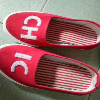 red shoes size 35