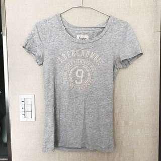 A&F👻abercrombie & fitch雪白色t-shirt