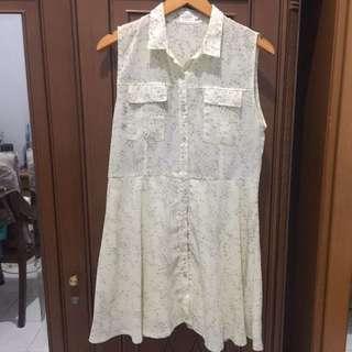 GAUDI : YELLOW DRESS
