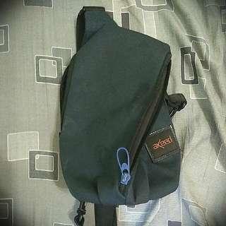 AKeed 單肩背包/側背包 含運費