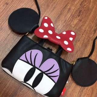 🚚 💥獨家限量💥日本 迪士尼 米妮隨身小包 可斜背 手機 小物袋/手機袋/萬用袋