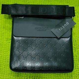 READY STOCK BN UNISEX GUCCI / LV BURBERRY MESSSENGER / CROSSBODY BAGS WITH SLING @ $40