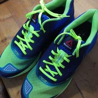 Reebok 慢跑運動鞋(USA11)