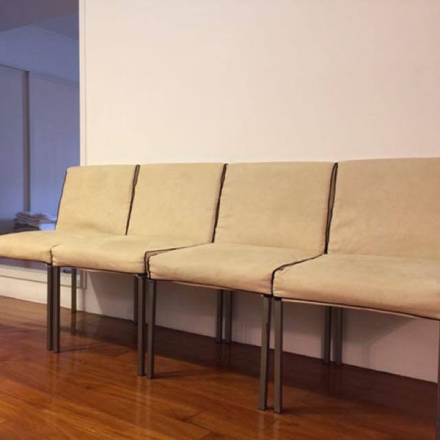 米色麂皮單人椅