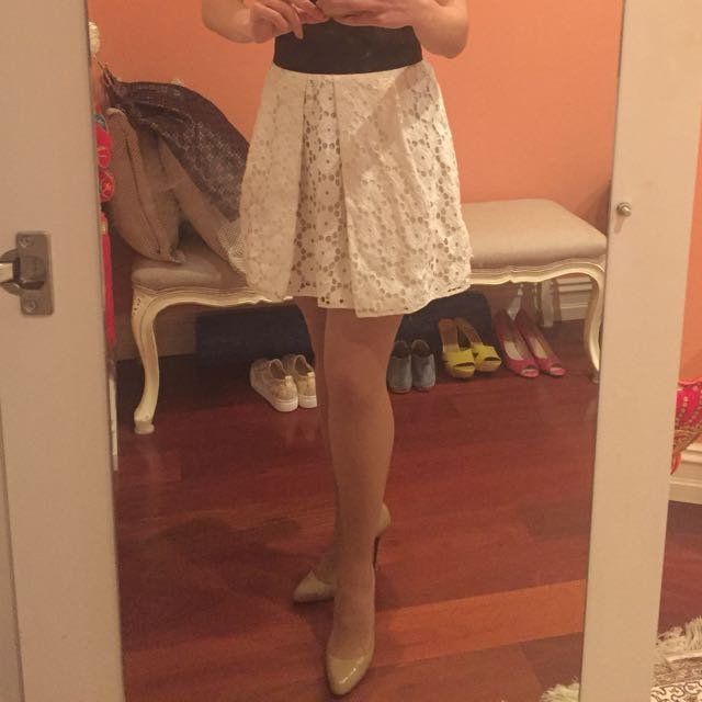Cue Skirt White Lace SiZe 8