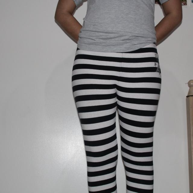 Disney Black & White CAMP ROCK Leggings