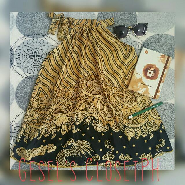 Gold/Black Silk Sleeveless Tie Neck Blouse