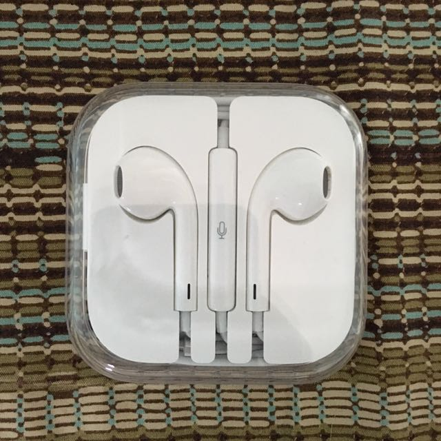 iP7 earphones (with mic) AUTHENTIC 100%!!!