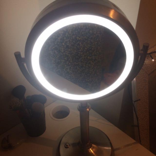 Light Up Makeup Mirror