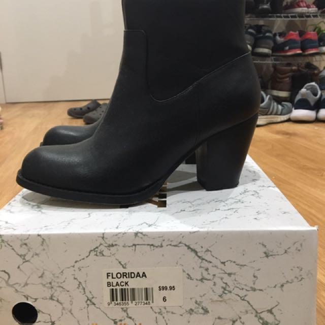 Lipstick Boots Size 6
