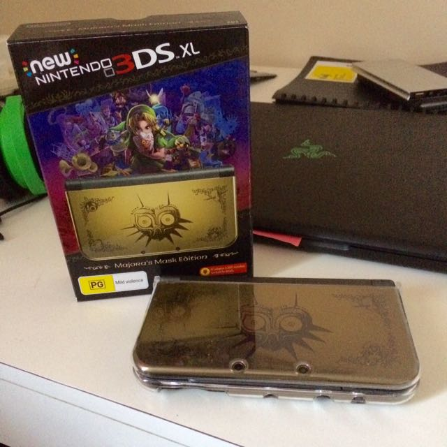 New Nintendo 3DS XL Majora's Mask Edition