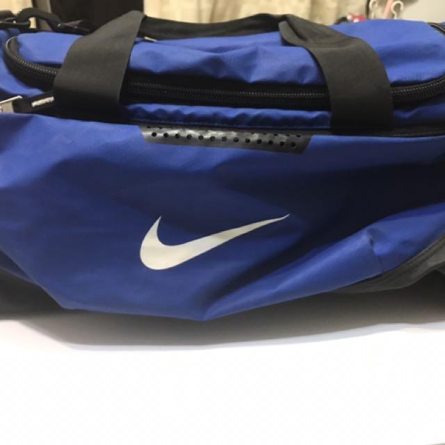 Nike大的健身包