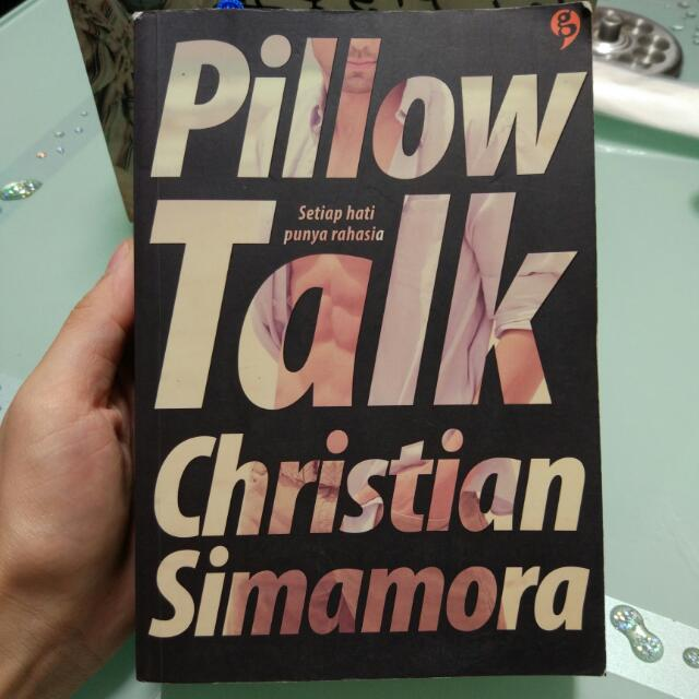 Novel Pillow Talk Christian Simmamora
