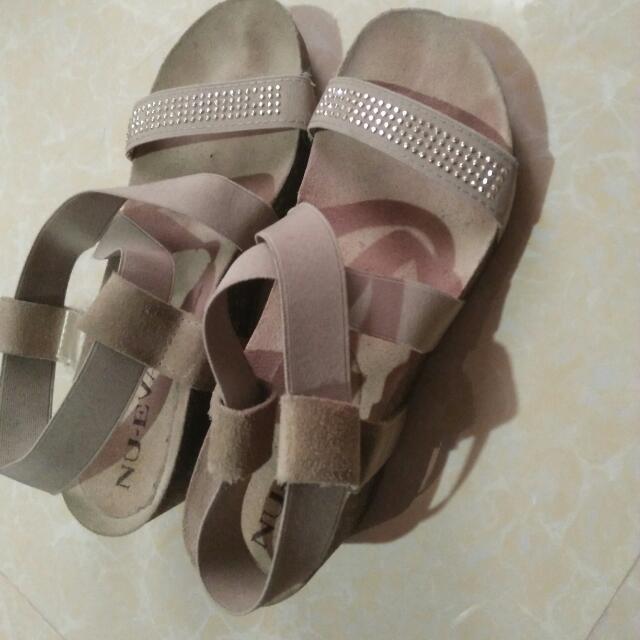 Nu-Eva wedge sandals