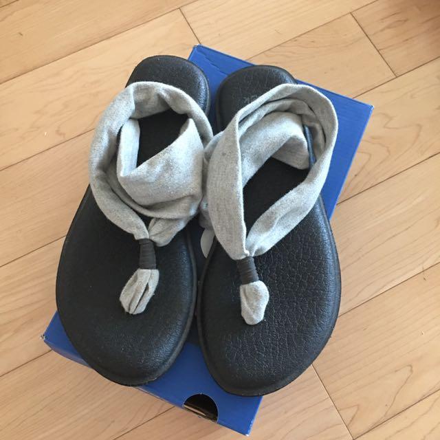 sanuk yoga shoes (grey, US 6)