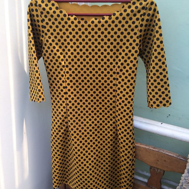 SELL PRELOVED MINI DRESS