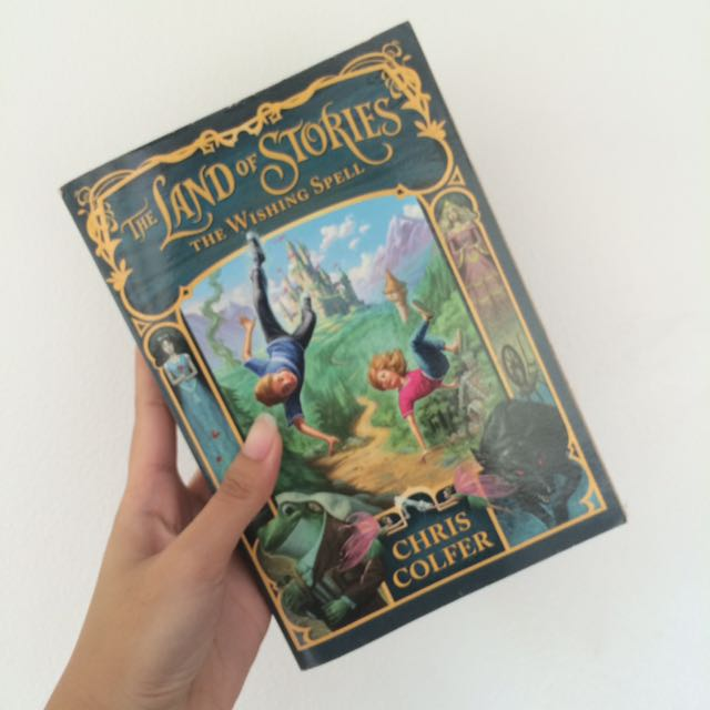 The Land of Stories: The Wishing Well by Chris Colfer