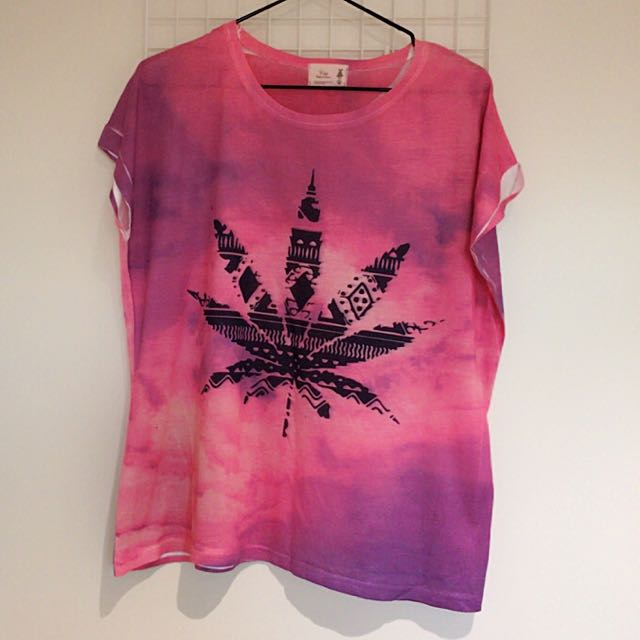 Tie-dyed marijuana Leaf Pattern Tee