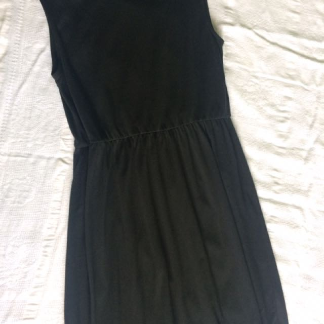Uniqlo Black Dress - Preloved