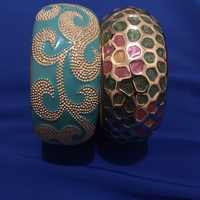 Vintage Inspired Bangles 2 Pieces