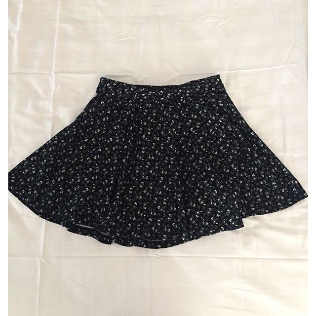 Vintage High Waist Flowy Skirt