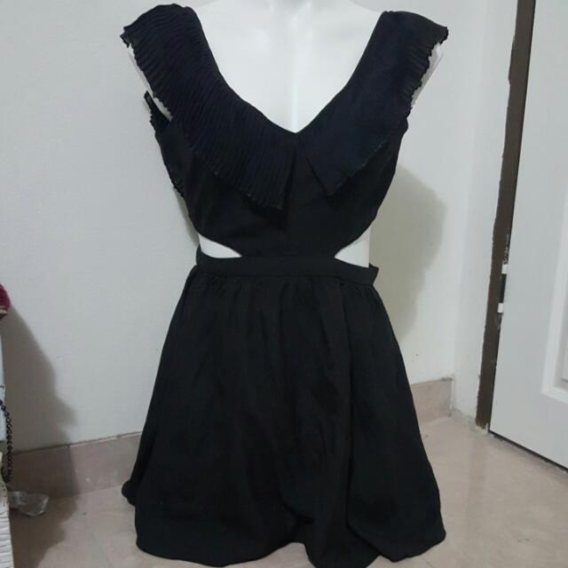 womens black ruffle dress