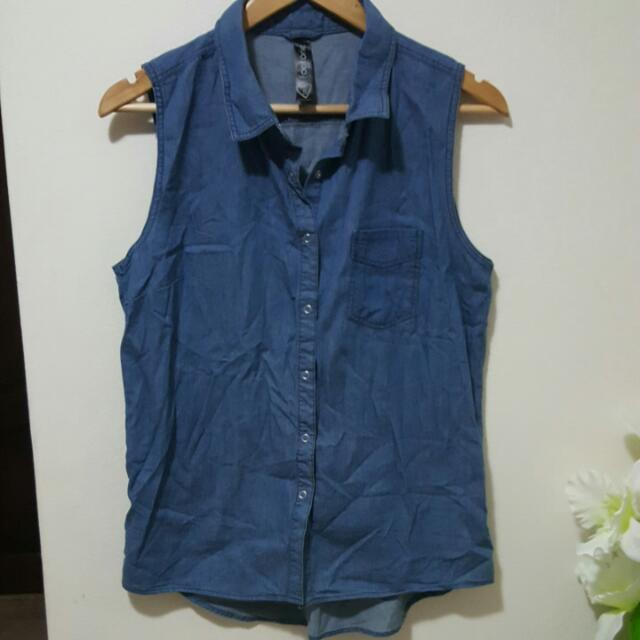 womens sleeveless chambray shirt