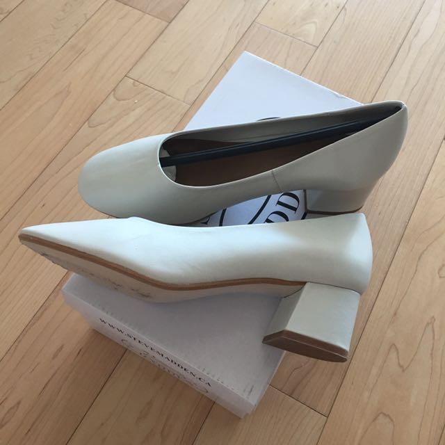 Zara White Vintage Mid Heels
