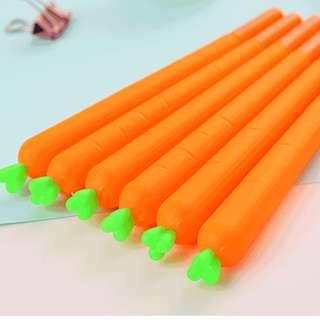 🚚 【幸福小舖】韓國創意中性筆 可愛仿真胡蘿蔔造型簽字筆 水筆學生文具 黑色0.38mm