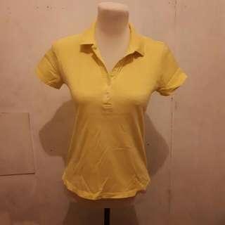 uniqlo yellow polo shirt