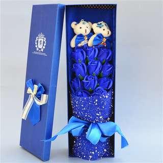 🚚 【幸福小舖】小熊花束禮盒泰迪公仔卡通娃娃香皂玫瑰花束母親節女朋友生日禮物