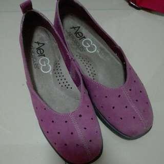 Original / Authentic Aerosoles AeroGo Purple Shoes