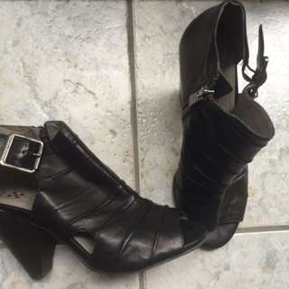 Vince Camuto Size 6 Shoes