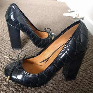 *Brand New* Quilted Black Pumps