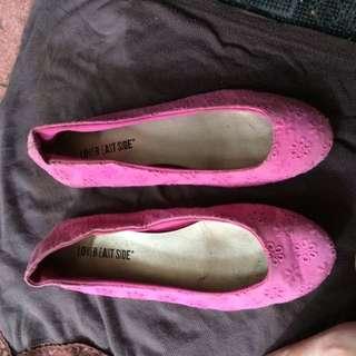 Sepatu Pink