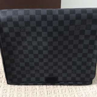 AUTHENTIC - Louis Vuitton District MM Bag
